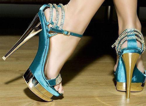 habillé élégament ces pieds