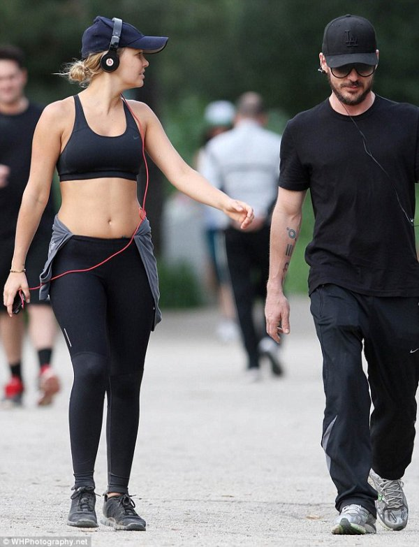 Shannon en compagnie de sa copine Lara Bingle
