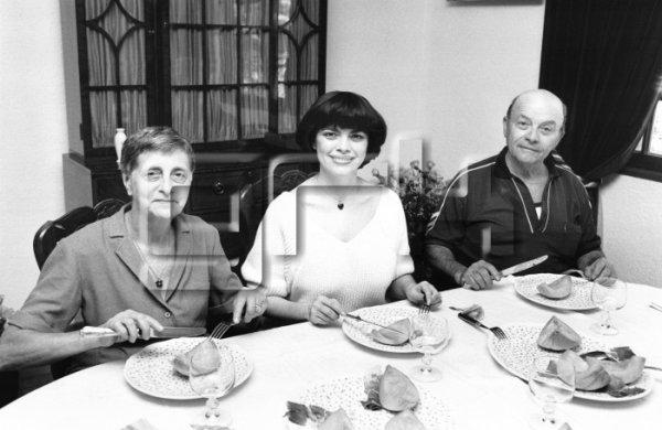 Mireille et ses parents Marcelle et Roger Mathieu