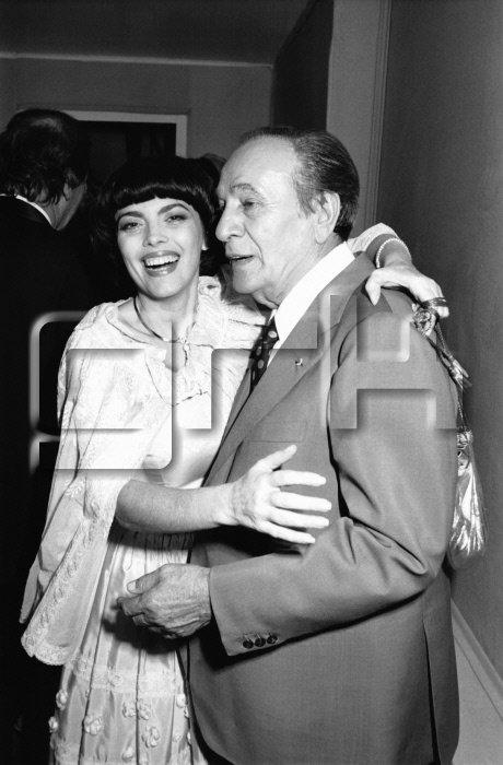 Mireille Mathieu à la premiere de Tino Rossi au Casino de Paris en novembre 1982 à Paris