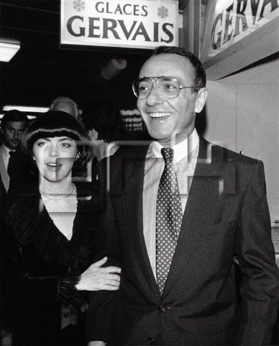 """Mireille Mathieu et Yves Mourousi à la Première des """"Misérables"""" de Robert Hossein au Palais des Sports le 22 septembre 1980 à Paris"""