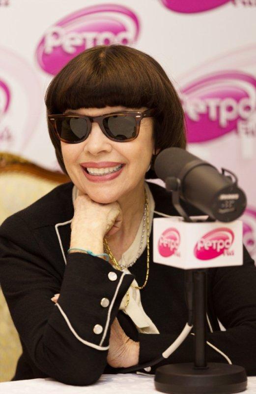 Mireille est l'invitée d'une radio à Moscou