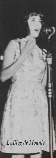 Mireille Mathieu à l'âge de 16 ans