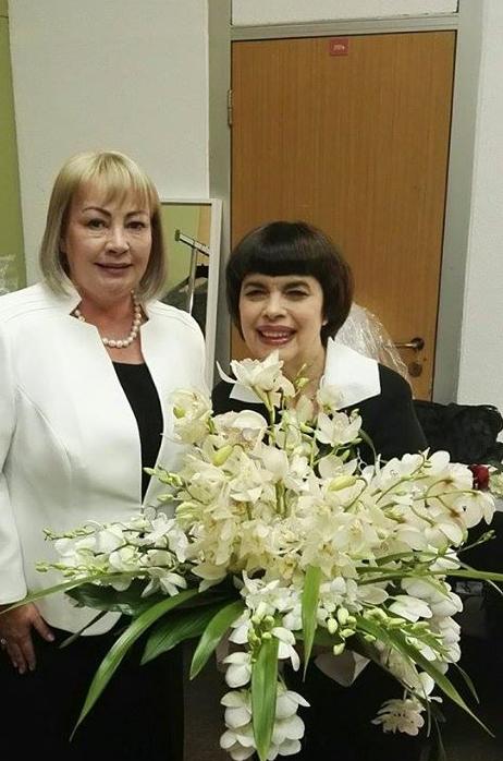 """Mme Ivan Zeman (L'épouse du Président de la République Tchèque ).au concert de Mireille Mathieu au """"Centre des Congrès"""" de Prague le 24 octobre 2017."""