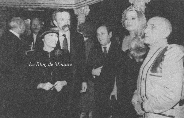 """Mireille et le journaliste Belge Gerard Nevès du magazine """"Ciné Revue""""."""