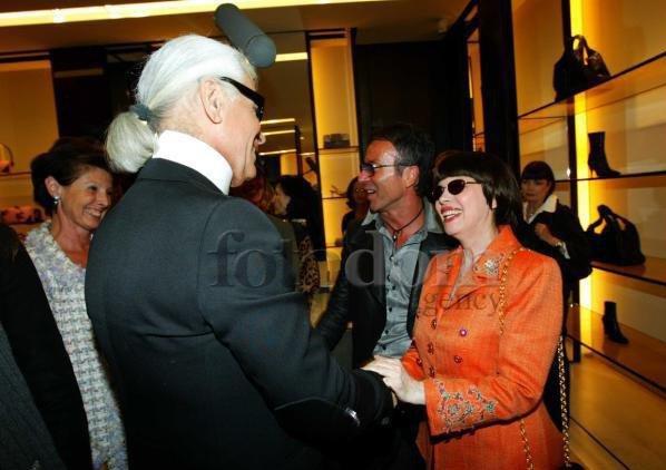 Karl Lagerfeld et Mireile Mathieu chez Chanel en 2004