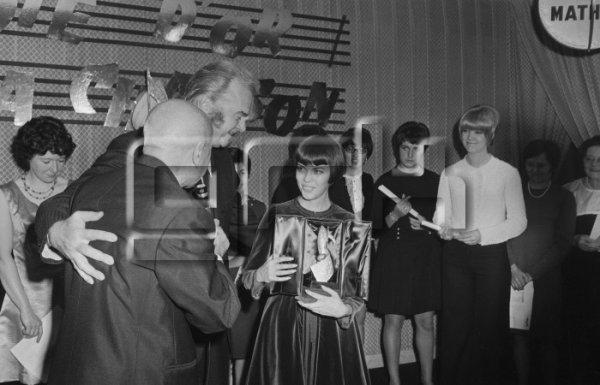 Jean Nohain, Johnny Stark et Mireille