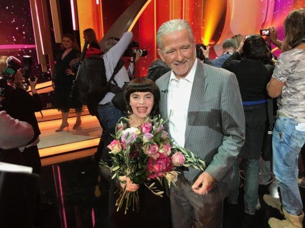 """Jeudi 29 Mars Mireille Mathieu et Patrick Duffy sont les invités de l'émission """"Wilkommen bei Carmen Nebel"""" sur la télévision allemande ZDF"""