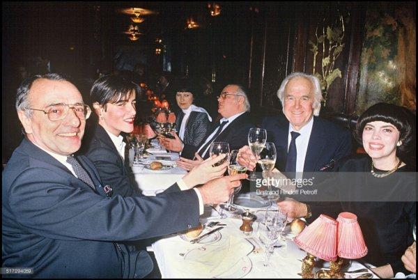 Yves Mourousi et sa femme Véronique, Mireille Mathieu et Johnny Stark