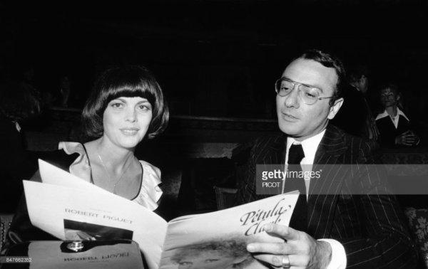 Mireille Mathieu et Yves Mourousi à un  gala de la chanteuse Petula Clark en avril 1977
