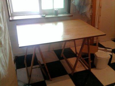 planche de bois 2 tr teaux possibilit de bureau photos meubles vendre. Black Bedroom Furniture Sets. Home Design Ideas