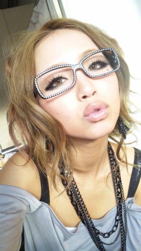style gyaru nerd glasses