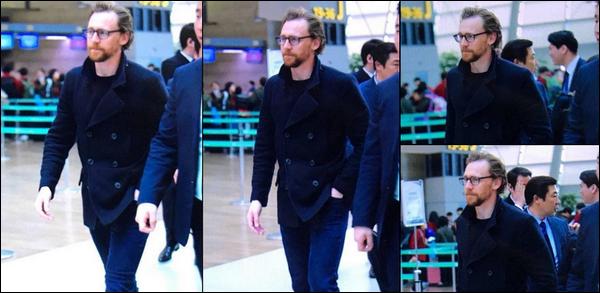 13.04.2018 : Tom Hiddleston  a été aperçu arrivant à l'aéroport pour quitter la Corée du Sud