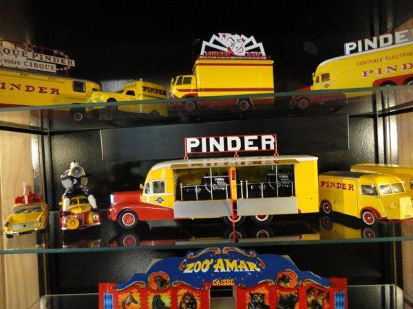 """vitrine """"PINDER"""""""