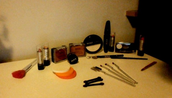 Mes produits MAX make up .