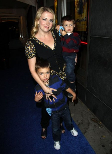 Melissa Joan Hart et ses deux fils Mason et Braydon !