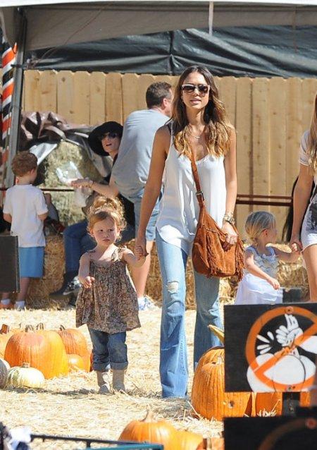 Jessica Alba, Cash Warren et ses 2 filles !