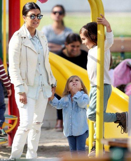 Kourtney Kardashian et ses enfants !