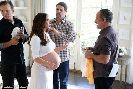 Jennifer Love Hewitt pose enceinte de 7 mois et demi de son second enfant !