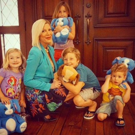 Tori Spelling et ses 4 enfants !