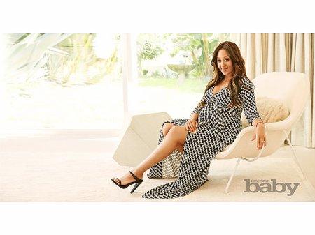 Tamera Mowry-Housley pose enceinte de 8 mois et demi !