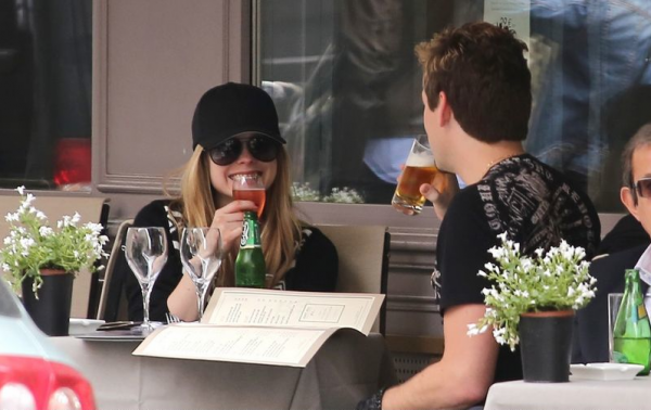 Avril out with Chad Kroeger in Paris - May 10, 2012