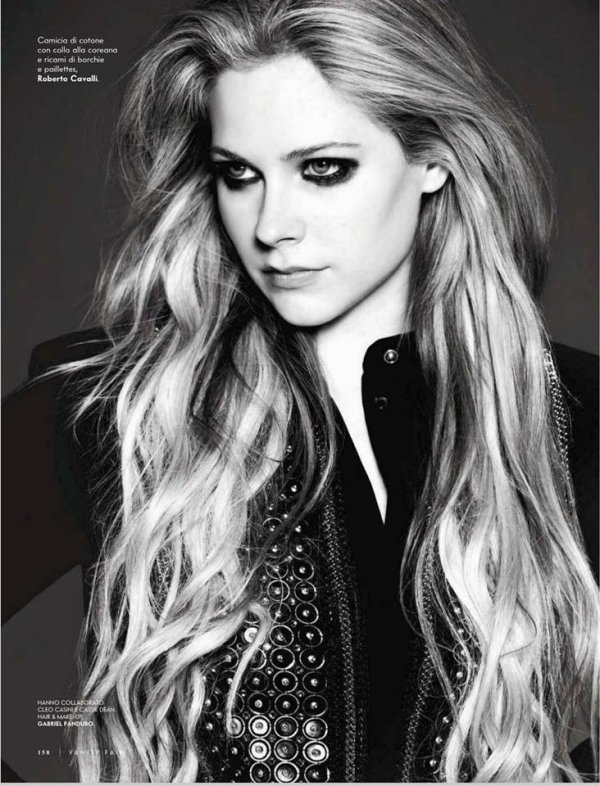 Recent Avril Pics