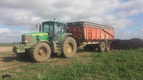 Un de mes ensemble au taf pour le transfert de composte - John Deere 6830 & Benne Corne 18T