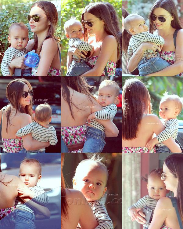 17.01.2011 ~ Flynn et Miranda dans un parc de Los Feliz (Californie)