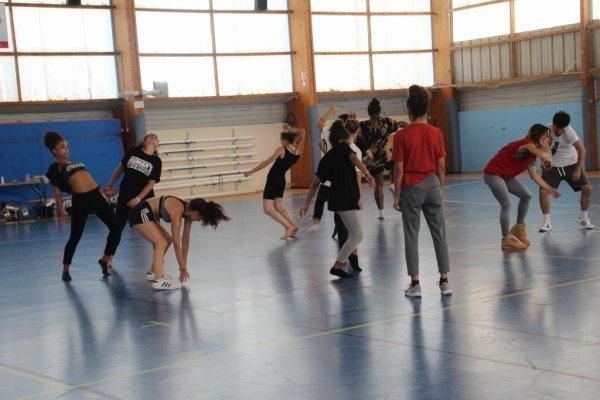 BLAYE Le gymnase Titou Vallaeys transformé en piste en danse