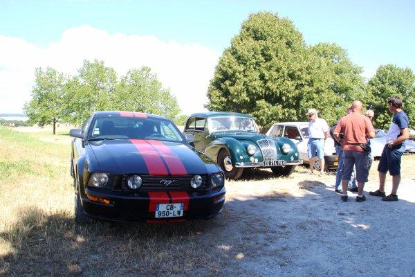 BLAYE Une concentration de voitures anciennes à la citadelle