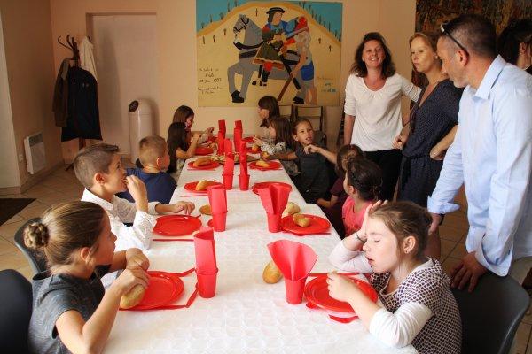 UN FABULEUX MARIAGE TABLE DES ENFANTS
