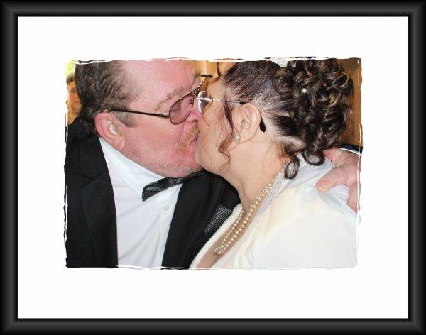 LE LIVRE DU FABULEUX MARIAGE DE MARI-JO ET ERIC JACOBS