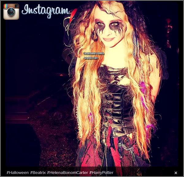 . Chloë a encore posté de nouvelles photos d'Halloween sur ses comptes Instagram et Twitter en compagnie de ses co-stars du Tournage de Kick-Ass 2, Lyndsy Fonseca et Nick Franger. Redécouvrez le Photoshoot de Chloë pour Seventeen du mois de Mai. .