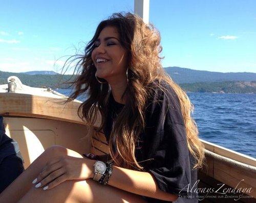 Quelques photos de zendaya dans son anniversaire :):)