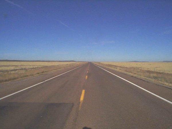 """""""Aussi étroit soit le chemin, aussi dur que soit ma route. Je parcourirai le monde."""""""