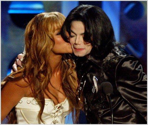 """- Beyoncé performera pour le concert en hommage à Michael Jackson + Beyoncé sur le tournage de la pub pour """"Pulse"""""""