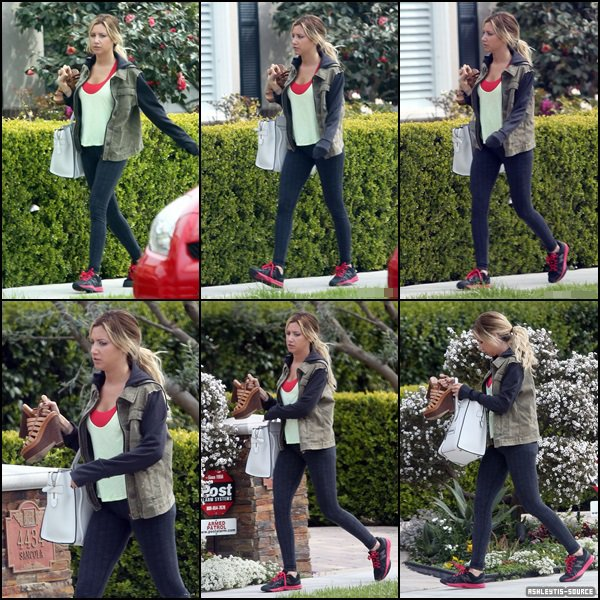 18.03.2013 - Ashley se rendant chez ses parents à Toluca Lake.