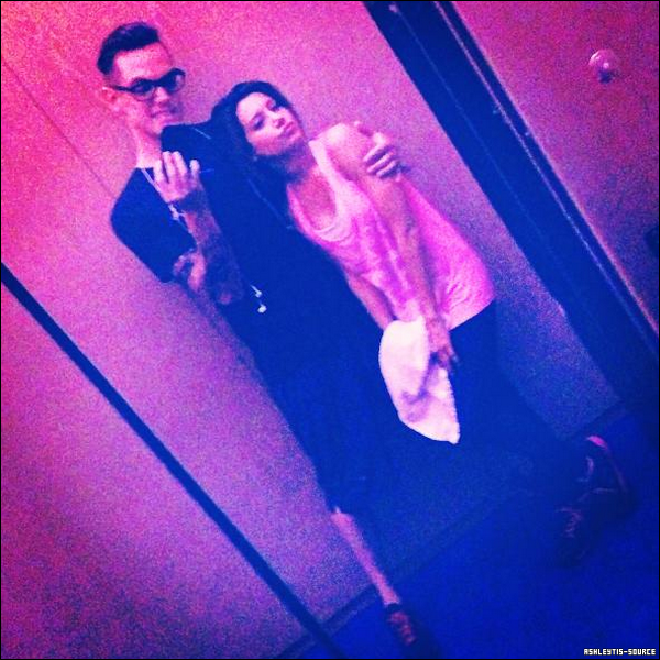 """""""Party in the hotel gym"""", photo de Christopher et Ashley."""