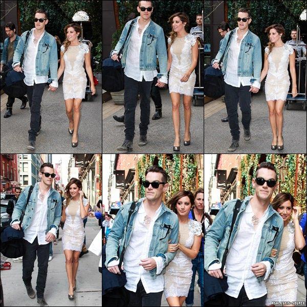 10.04.2013 -  Après deux journées à faire la promotion du film, Ashley prend du bon temps à New-York dans le quartier de SoHo avec Chris, avant de repartir pour Los Angeles.