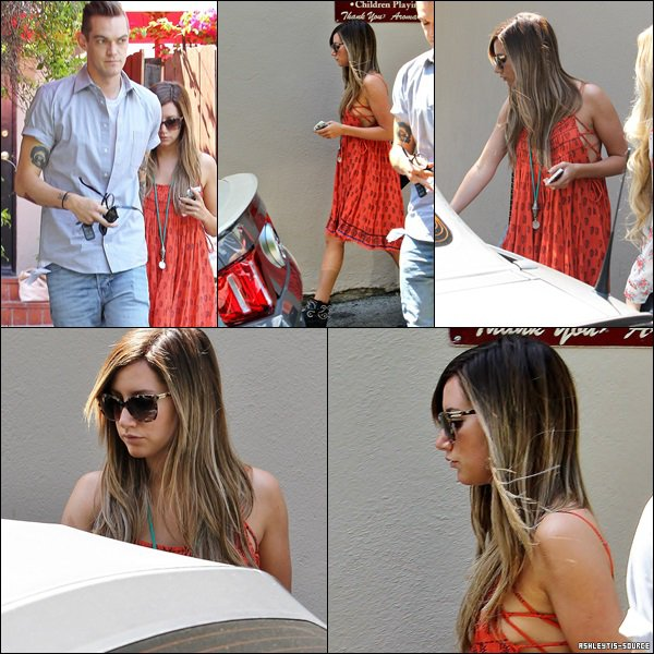 12.04.2013 - Ashley quittant le Aroma Cafe avec Chris French dans Studio City.