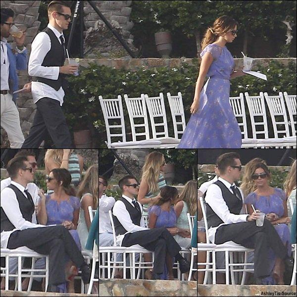 21.04.2013 - Ashley et Christopher assistant au mariage d'une de leur amie à Cabo San Lucas, au Mexique.