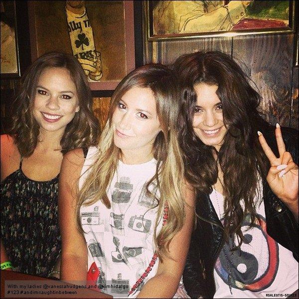 Découvrez une photo personnelle d'Ashley accompagnée de Vanessa Hudgens et Kim Hidalgo.