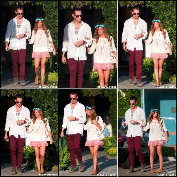27.04.2013 -  Ashley et Christopher marchant dans les rues de Los Angeles