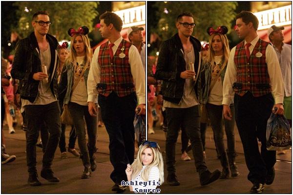 10.06.2013 - Ashley fêtant l'anniversaire de son amie Nikki Lee à Disneyland avec Christopher et d'autres amis.