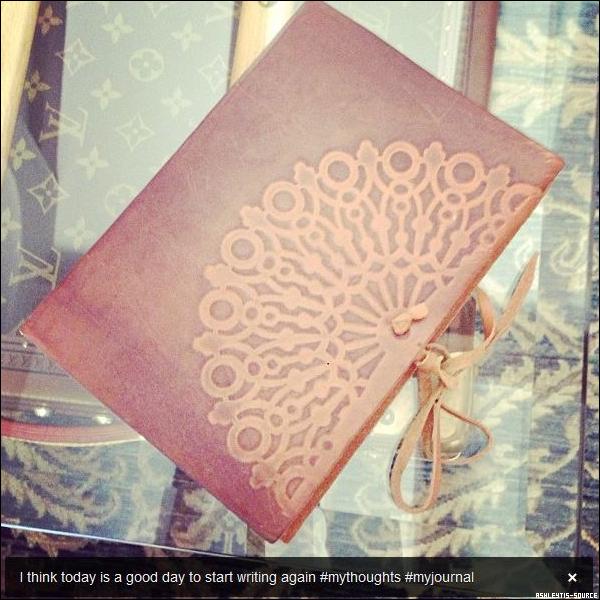 12.06.2013 - Juste avant de se préparer pour la soirée, Ashley a été faire des courses au Whole Foods de Studio City.