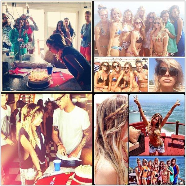01.07.2013 – Ashley fêtant son anniversaire avec un jour d'avance avec ses amis à Malibu.Toutes les photos ont été postées via Instagram.