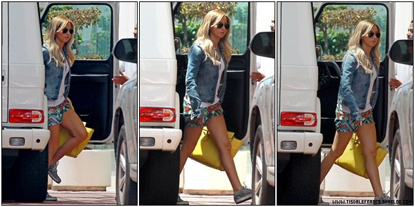 31.07.2013 - Ashley arrivant au salon Nine Zero one à West Hollywood.