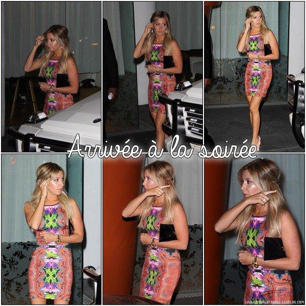 15.08.2013 - Ashley déjeunant avec son ancienne co-star Erica Ash (Scary Movie 5)  dans Studio City.