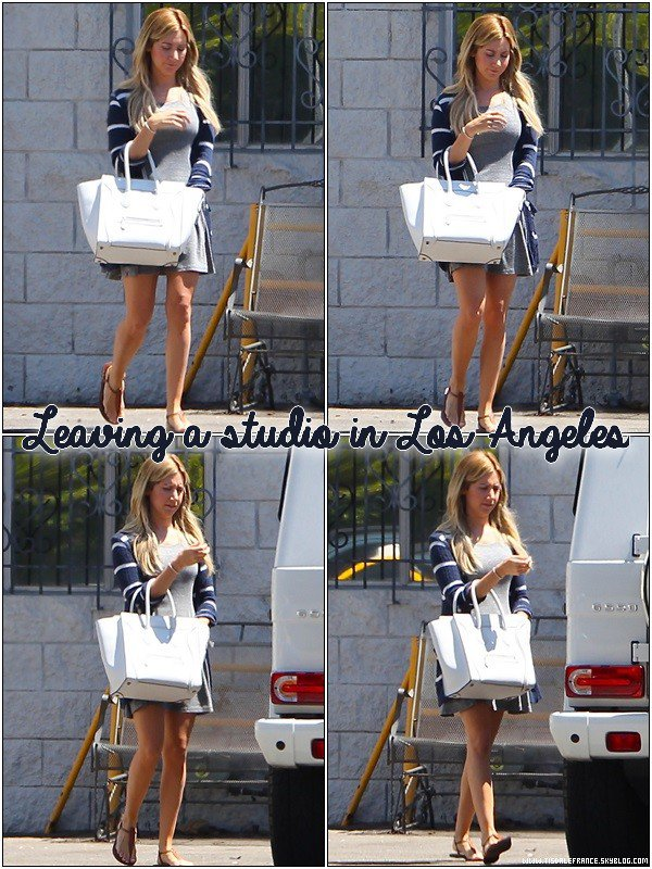 21.08.2013 - Ashley quittant un studio à Los Angeles.